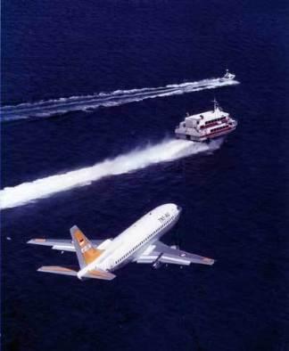 Boeing 737 MPA tengah beraksi di laut