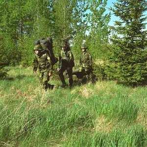 Rangkaian RBS-70 dapat diurai untuk dipanggul