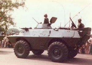 Penembak dibagian belakang mengunakan senapan mesin M60 kaliber 7,62mm