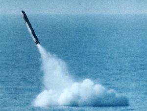 SM 39 yang diluncurkan dari kapal selam
