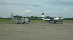 Nomad bersanding dengan C-212