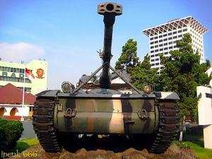 AMX-13 menjadi monumen di markas Kostrad