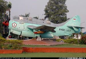 Monumen Gannet TNI-AL di lanudal Juanda