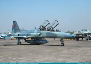 F-5F (dua kursi/latih) Skadron 14