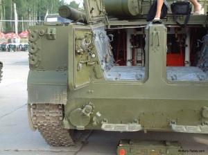 Tampilan belakang BMP-3F saat semua pintu dibuka