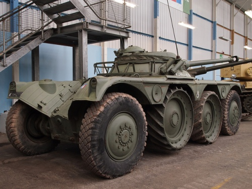 Panhard EBR FL-11 kaliber 90 mm