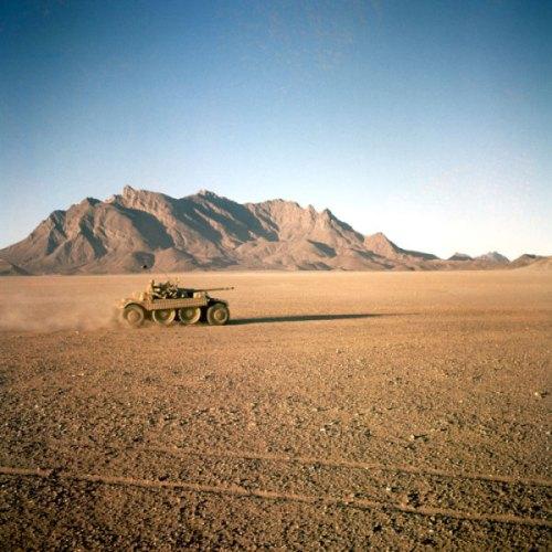 Panhard EBR menembus medan gurun Sahara