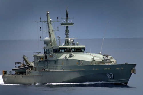 Era Fremantle class telah berakhir, kini RAN mengandalkan Armidale class, versi kapal patroli inilah yang menjadi lakon dalam serial Sea Patrol
