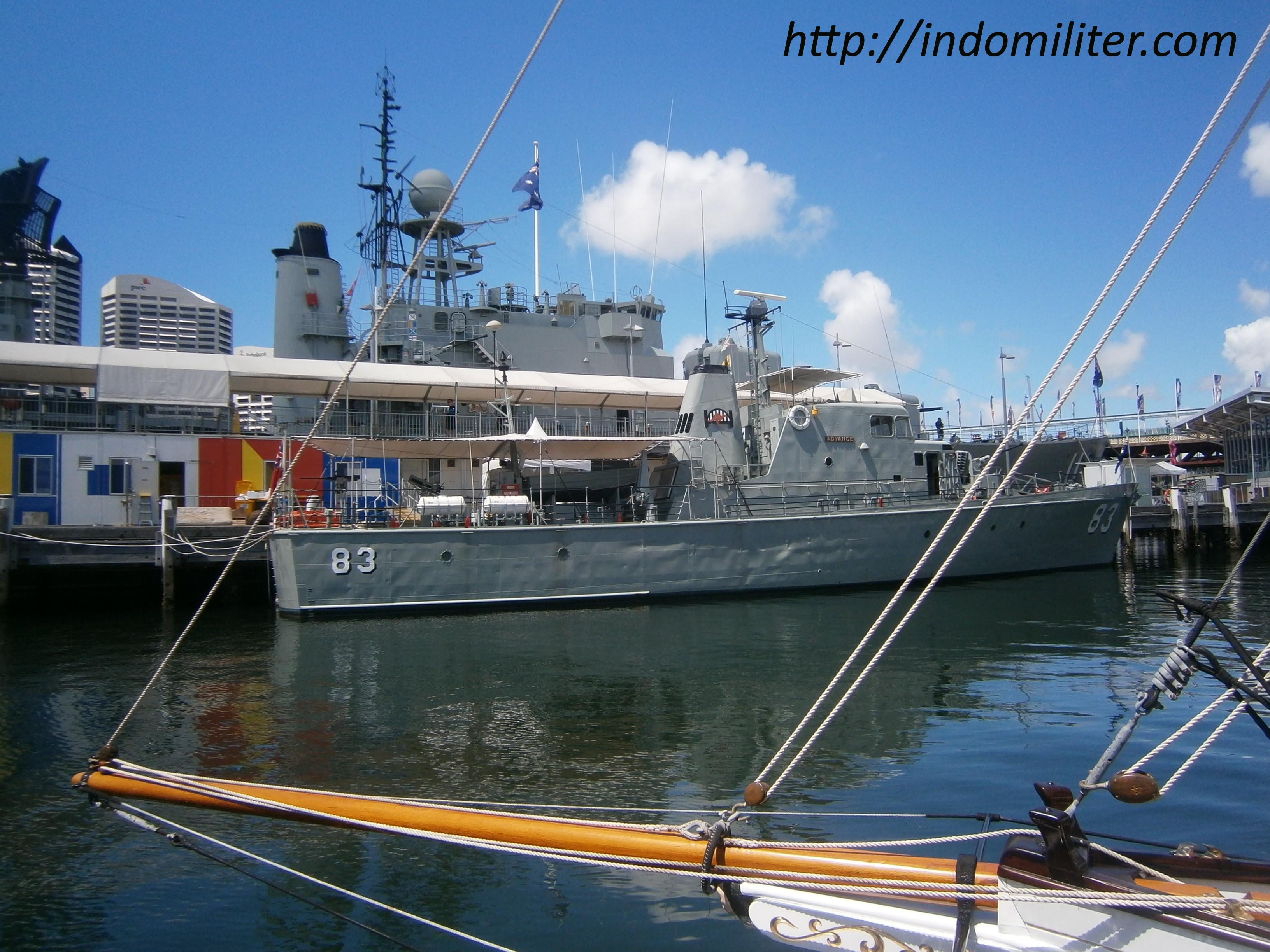 Sisi buritan HMAS Advance P83