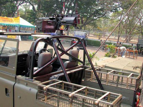 Land Rover Defender MRCV Kopassus dengan 40 AGL