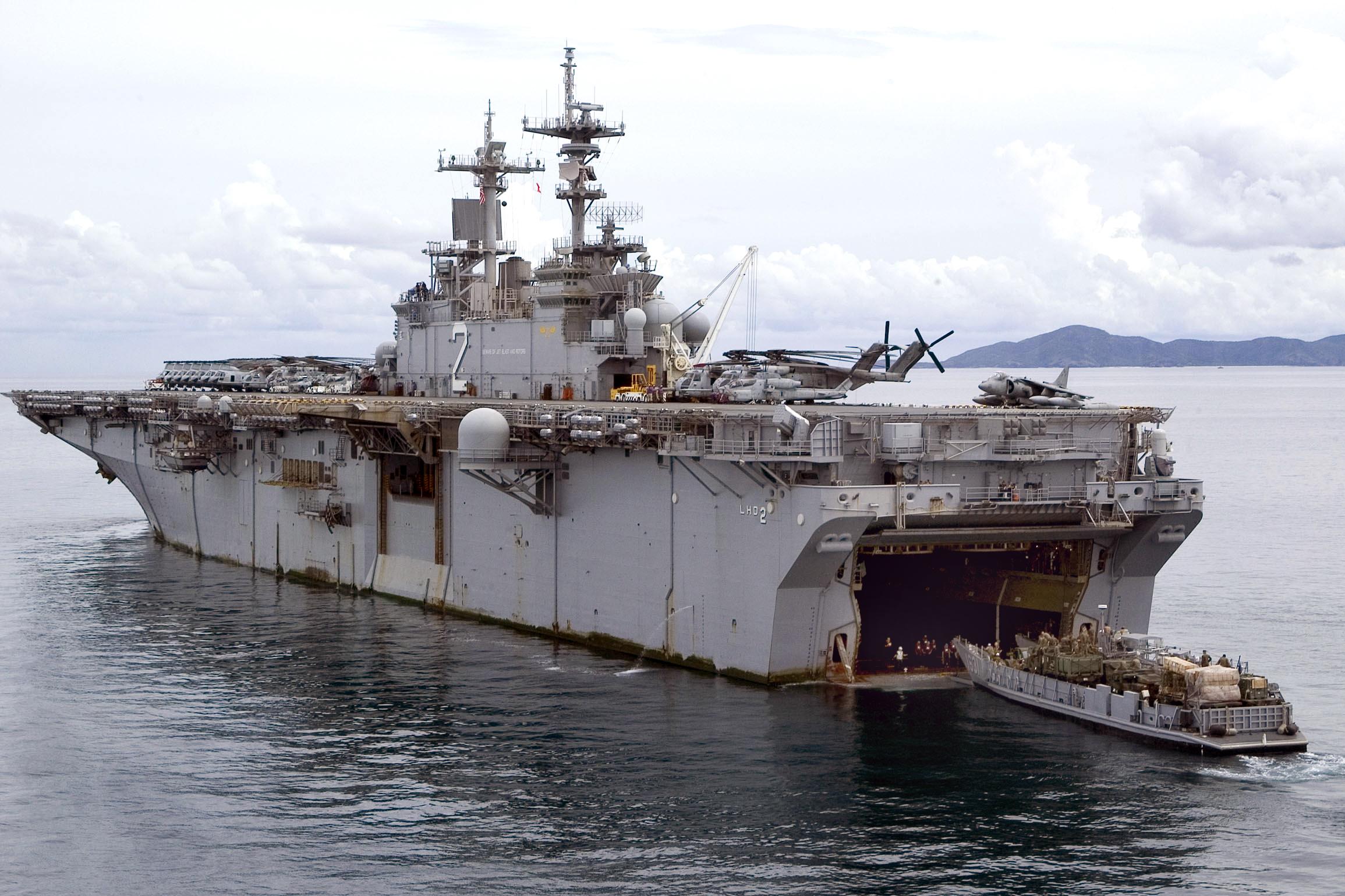 USS Essex berperan sebagai safe house untuk presiden Obama