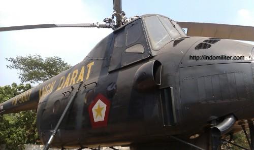 Mi-4 Penerbad TNI AD di museum Satria Mandala