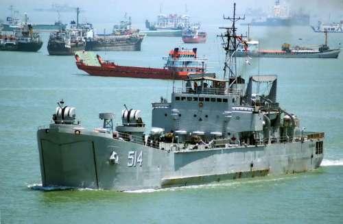 KRI Teluk Mandar 514, serupa dengan KRI Teluk Semangka