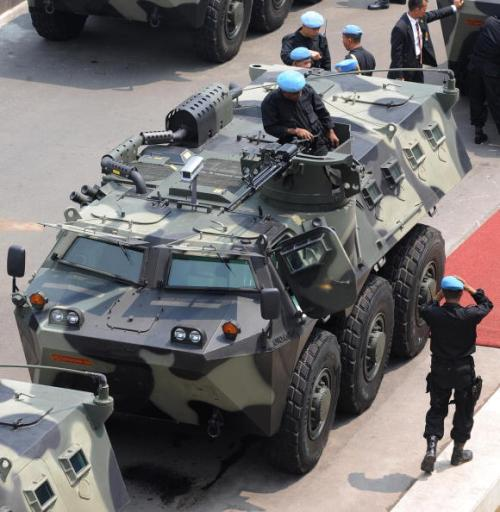 Tampak panser Anoa dengan senjata utama SMB CIS 50MG