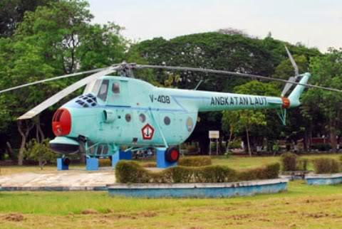 Mi-4 versi AKS (anti kapal selam) di museum TNI Surabaya