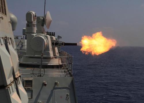 Type 730 30 mm buatan Cina, jangkauan efektif 3.000 meter dan kecepatan tembak 5.800 proyektil per menit.