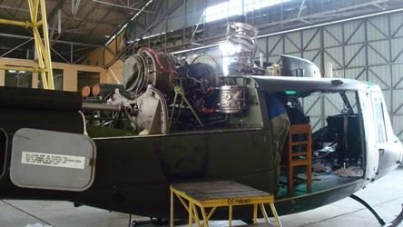 Bell 205 A-1 dalam masa perbaikan