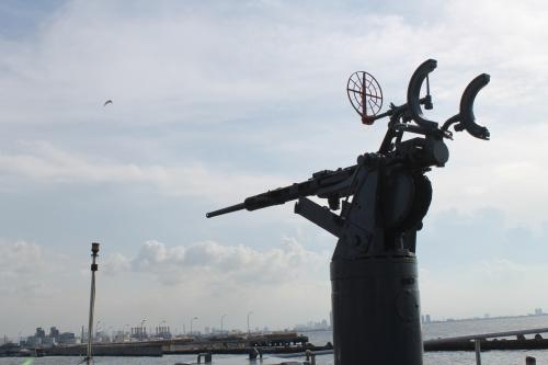 Oerlikon 20mm di KRI Kobra tanpa magasin dan shield