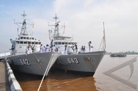 KRI Badau dan KRI Salawaku dengan nomer lambung lama, saat menjadi arsenal Satuan Kapal Cepat TNI AL