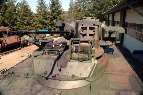Kubah laras Rheinmetall 20mm di Marder 1A3