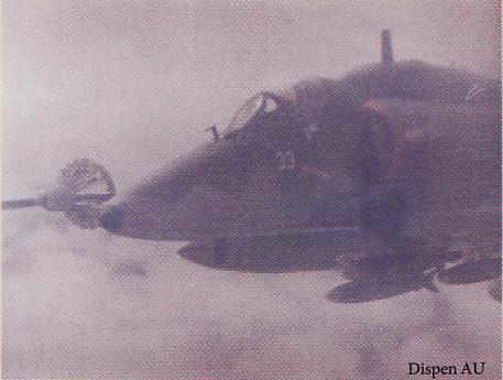 A-4E Skyhawk (ex-skadron 11), telah menjadi klien KC-130 sejak tahun 80-an.