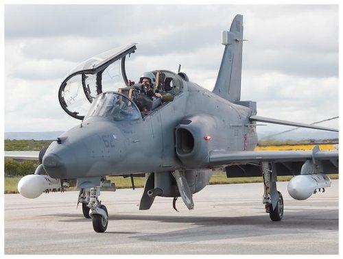 Hawk 100 dengan pod ADEN 30mm