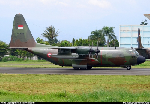KC-130B Hercules dengan nomer registrasi A-1309, salah satu pesawat tanker TNI AU