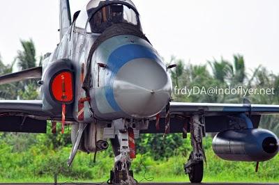 Hawk 200 TNI AU dengan pod ADEN 30mm. Foto: Indoflyer.net