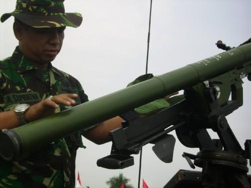 QW-3 dioperasikan oleh personel Paskhas TNI AU