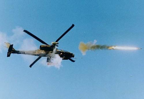 Dapat dilepaskan dari heli AH-64 Apache