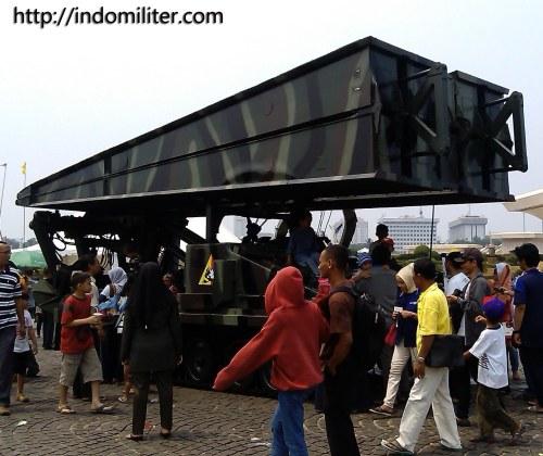Stormer AVLB di pameran Alutsista TNI 2013 - Lapangan Monas