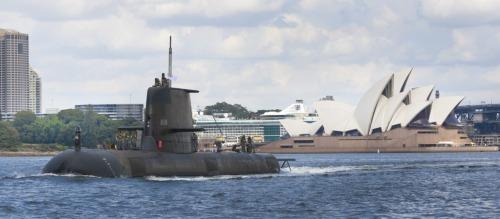 HMAS Sheean dalam parade di Sydney