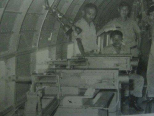 Pose awak AC-47 Gunship TNI AU saat operasi Seroja