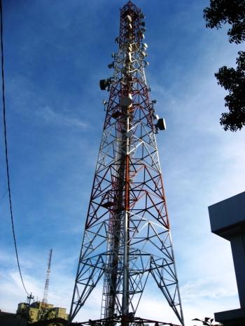 Tebaran 'hutan' BTS yang ada di Indonesia bisa menjadi alternatif dalam komunikasi UAV.
