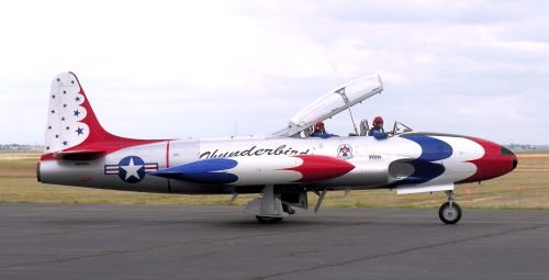 T-33A Thunderbirds, pernah dipercaya sebagai pesawat tim aerobatik AU AS