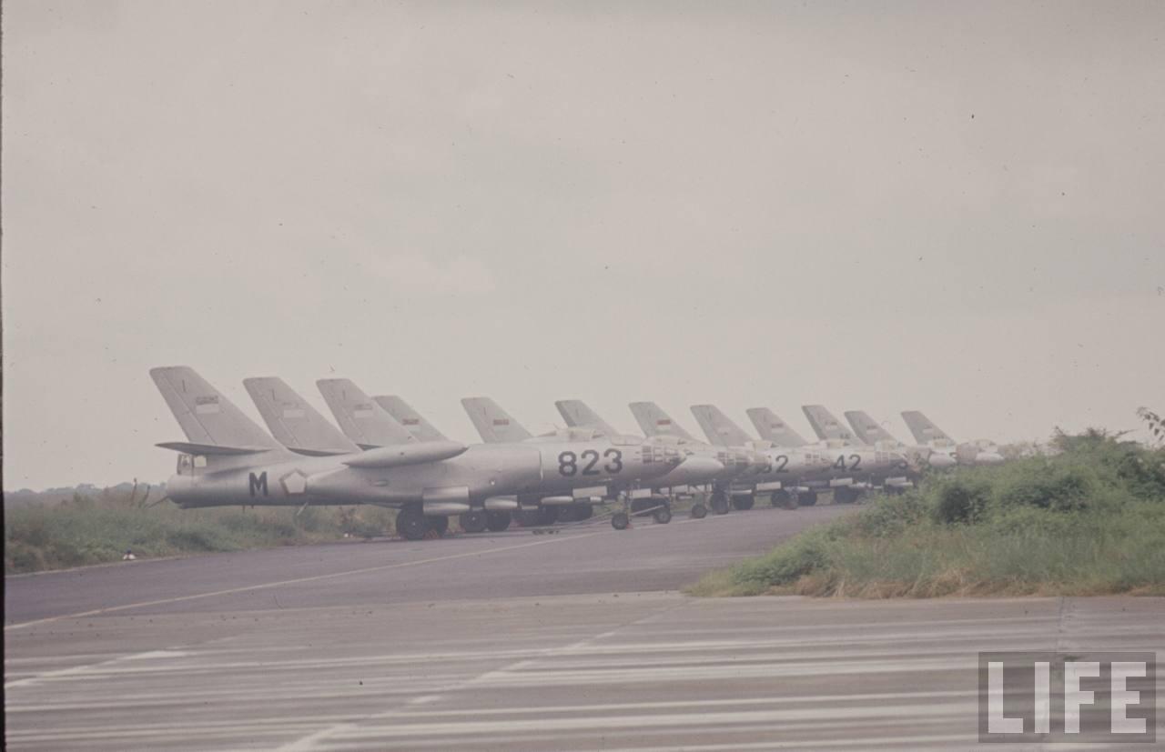Deretan Il-28s milik AURI