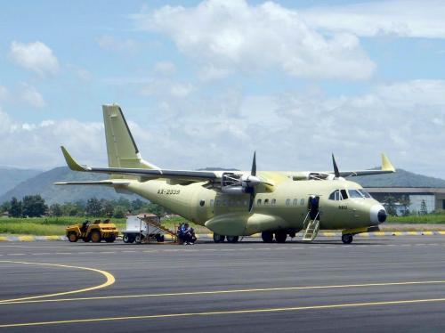 CN-235 220 NG TNI AL saat pengujian