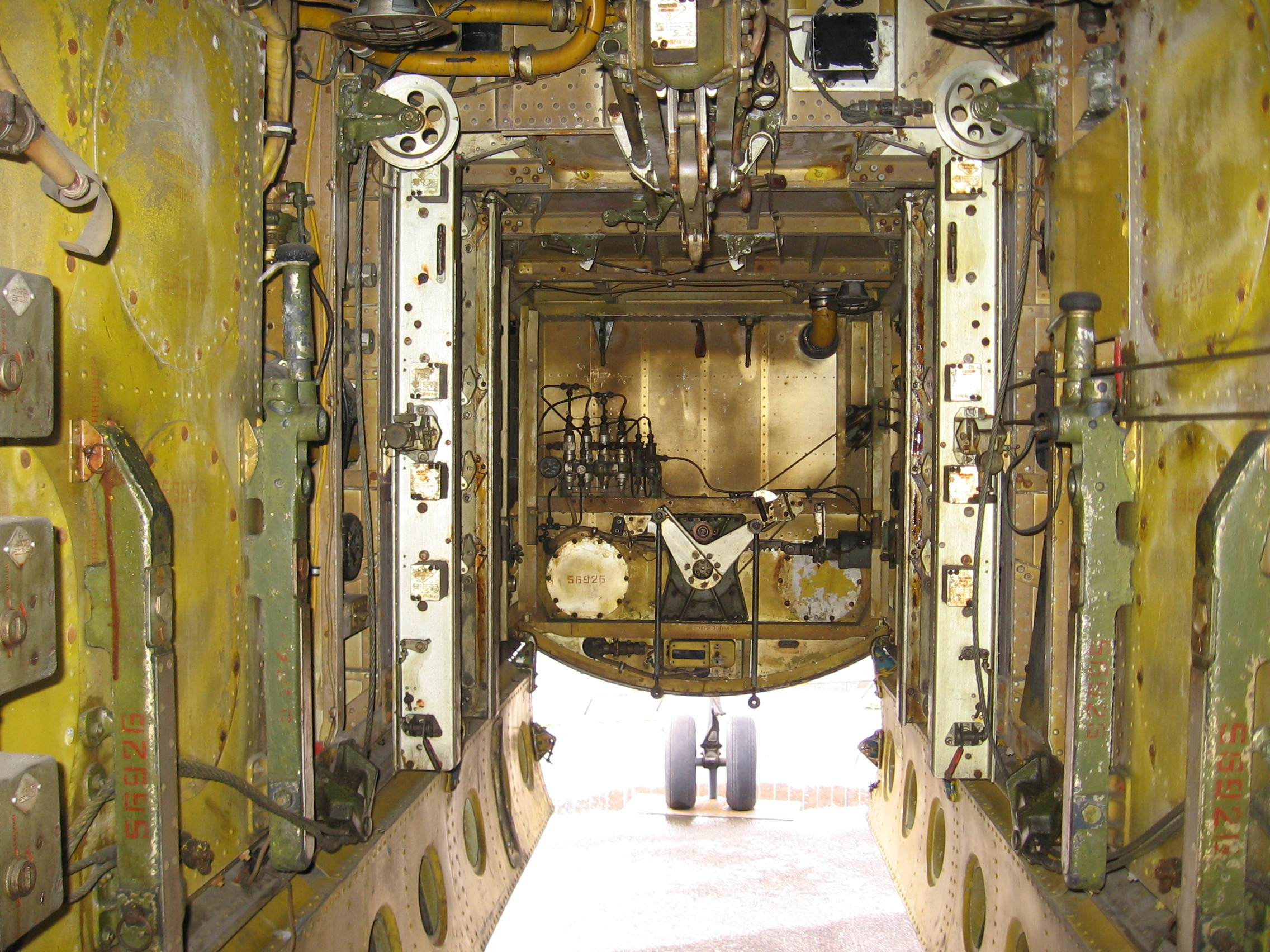 Bomb bay (bomb rack) Il-28