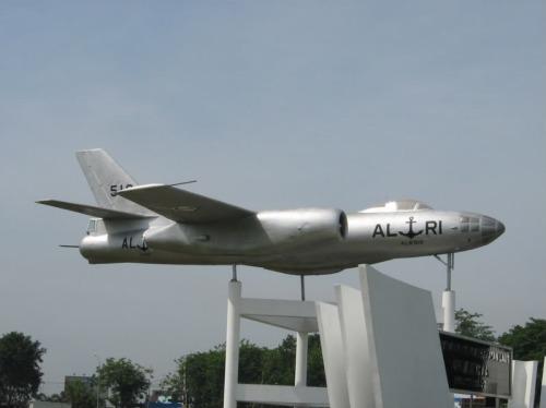 Il-28T TNI AL