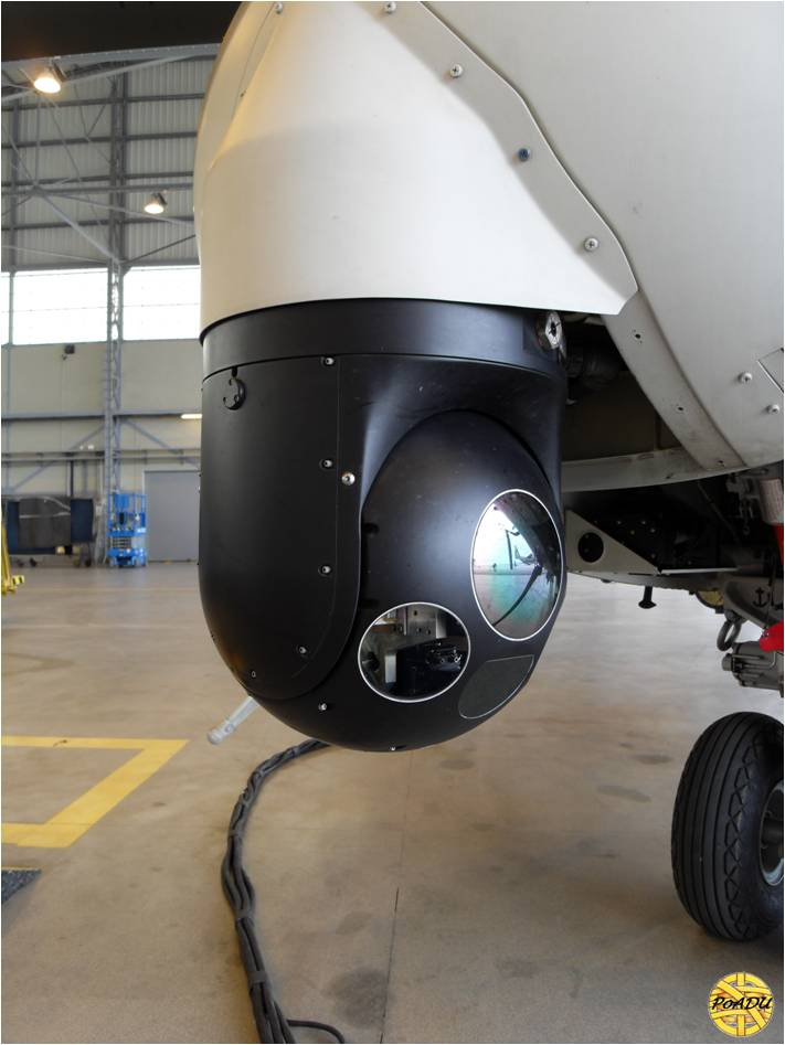 FLIR SAFIRE III juga pas disematkan pada helikopter.
