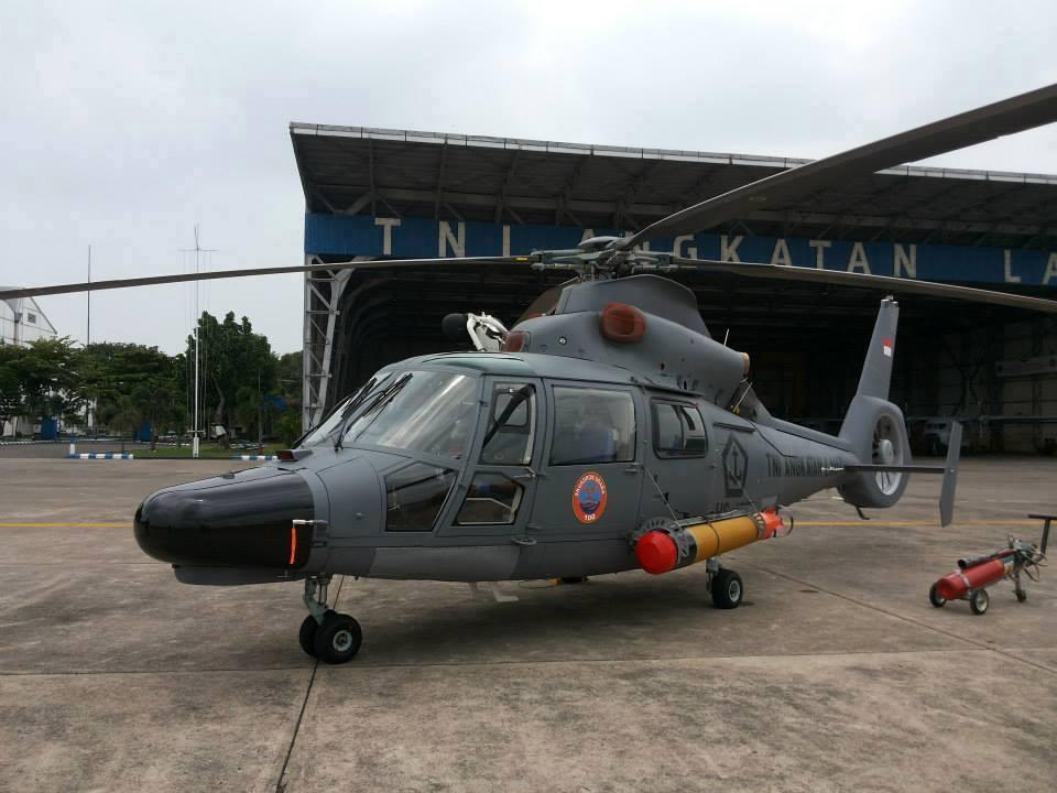 AS 565 Panther TNI AL dengan torpedo MK46