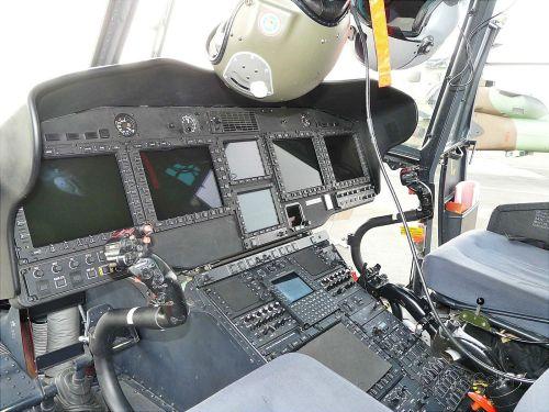 """Heli multi-role ini dilengkapi teknologi canggih seperti LCD multi fungsi 6""""x8"""" pada cockpit, terintegrasi dengan peta digital/peperangan elektronik, full glass cockpit, dan lain-lain"""