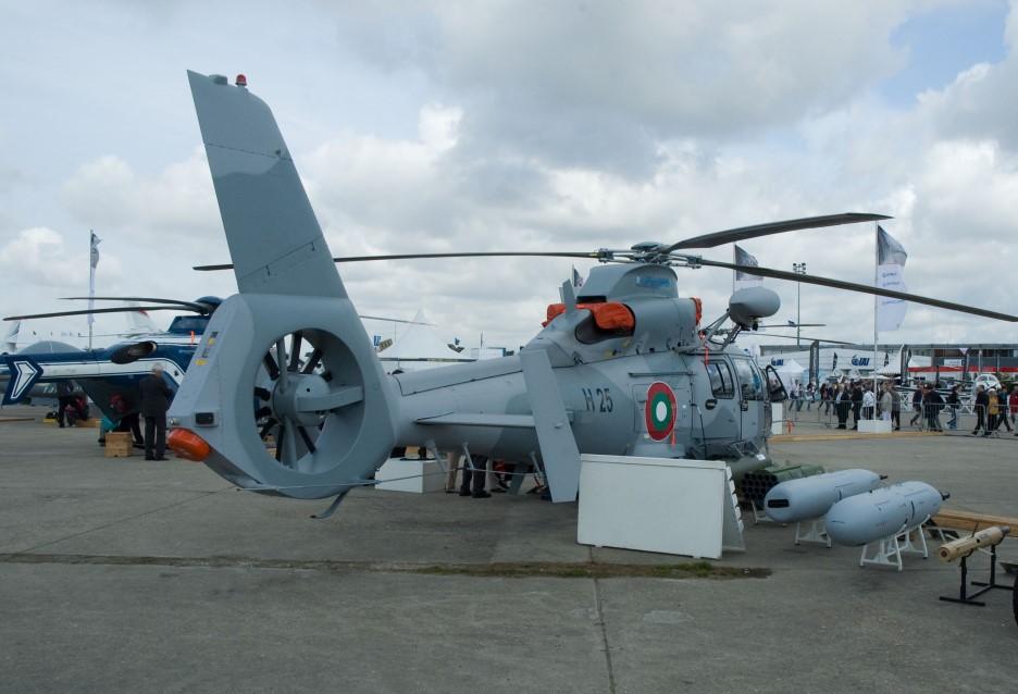 Eurocopter_AS-565MB_Panther_(code_H-25_-_cn.)_de_la_marine_bulgare
