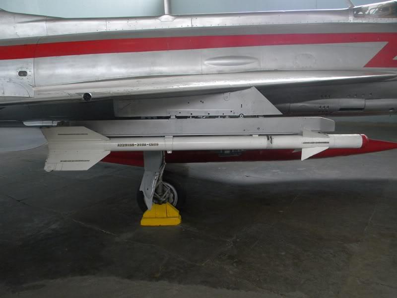 Rudal K-13 pada MiG-21 Fishbed AURI di museum Dirgantara -  Yogyakarta.
