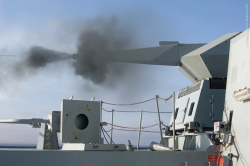 Varian Oerlikon Millennium, menggunakan jenis laras yang serupa Skyshield, ditempatkan di atas kapal perang.
