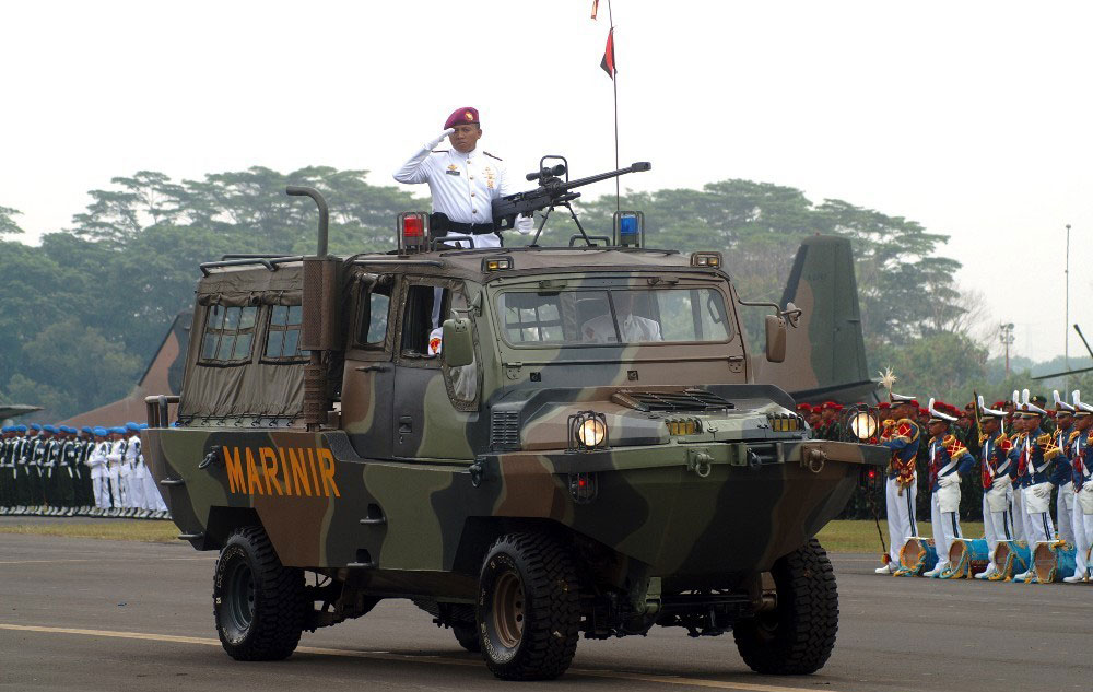 JASGU 3 dalam parade HUT TNI, tampa ditumpangi senjata andalan Sniper NTW-20.