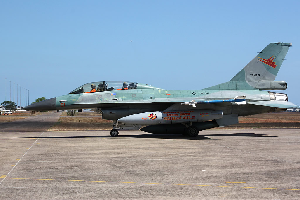 F-16 B Fighting Falcon TNI AU