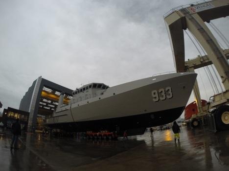 Satu dari dua kapal telah diluncurkan Desember 2014 di galangan OCEA SA.