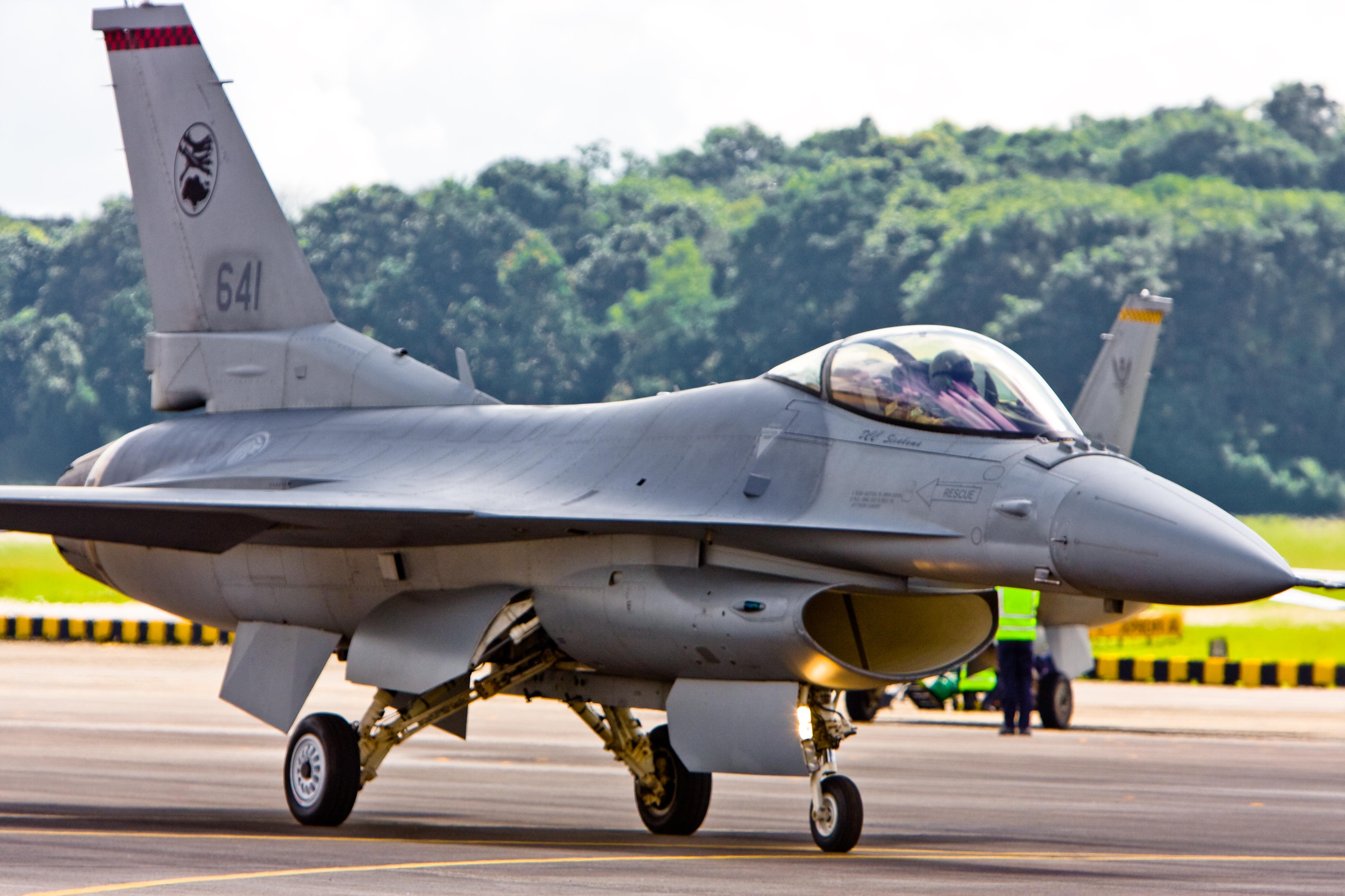 F-16 C Block 52 milik RSAF (AU Singapura)