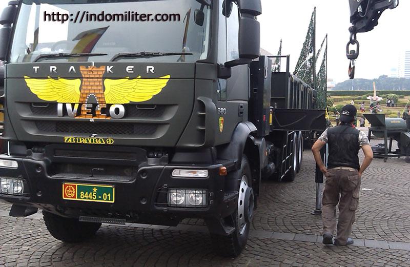 Truk Iveco Yon Zipur 9 Kostrad TNI AD